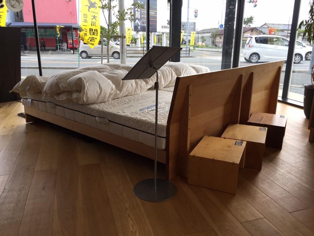 センベラ ベッド モンテ